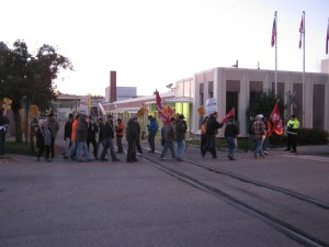Picket line at NGF, 255 York Street, Guelph. October 9