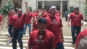 unifor-protest-manitoba-legislature